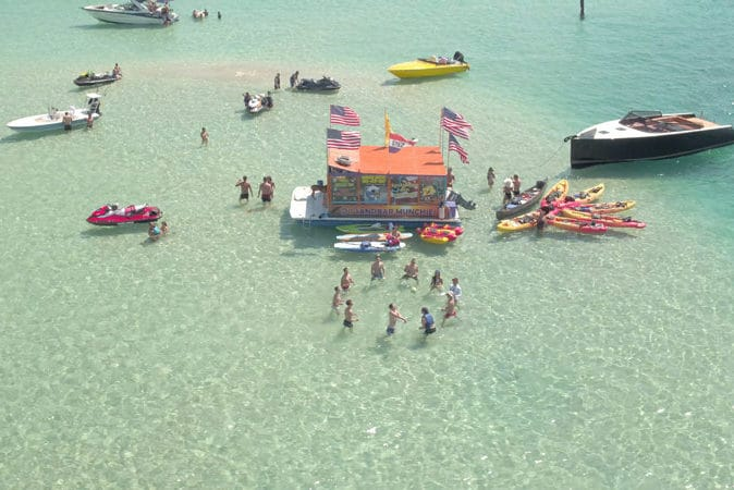 Labor Day boat rentals from Boatsetter - the perfect way to end summer!