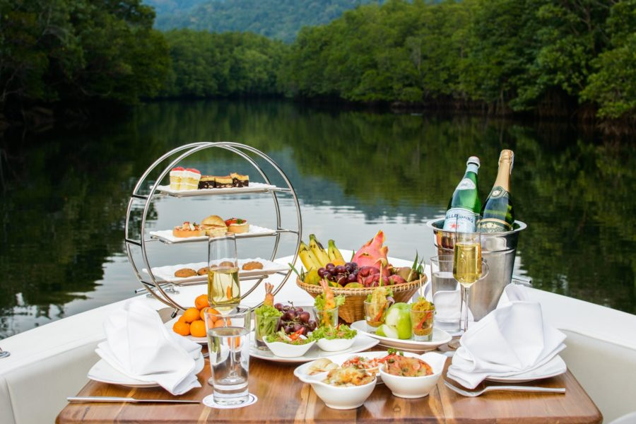 Wine tasting on a boat 4 tips to enjoy yourself boatsetter blog solutioingenieria Images
