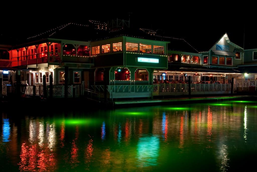 15th Street Fisheries Restaurant