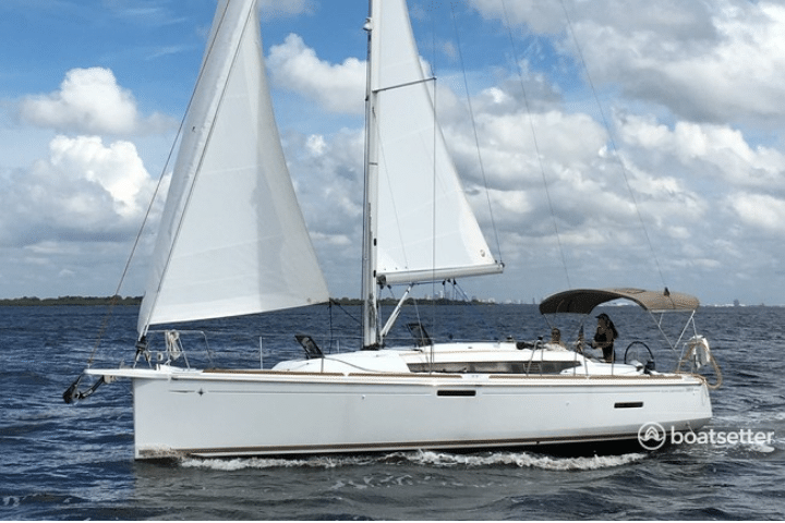 what is a monohull