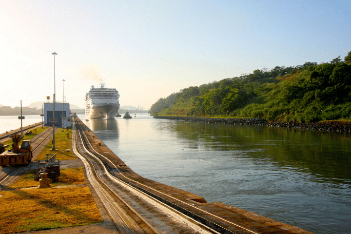 sailing the panama canal